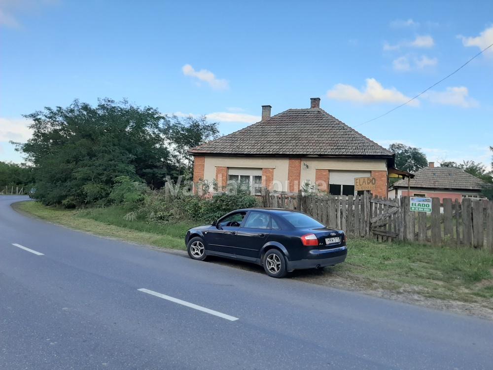 Dombrád, felújítandó  ház eladó
